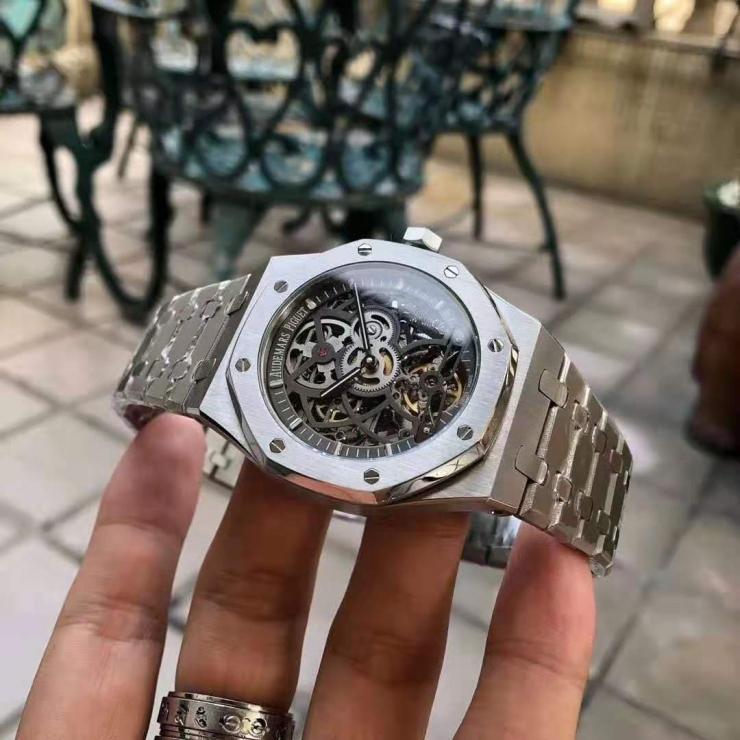 高仿奢侈品手表一手货源支持货到付款